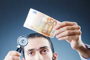 gydytojas-pinigai