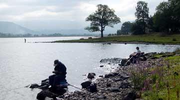 zvejai-ezere