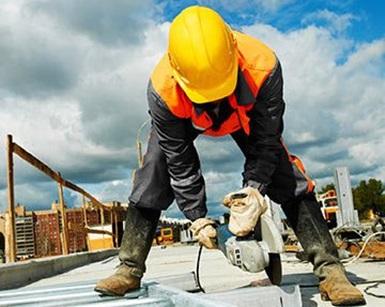 Tinkamai perdirbti pelenai gali tapti statybine medžiaga.