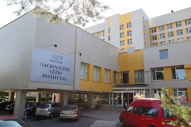 Nacionalinio vėžio centro specialistai ragina būti atidiems dėl savo sveikato.