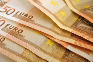 Nemokūs greitųjų kreditų mėgėjai rizikuoja netekti savo turto