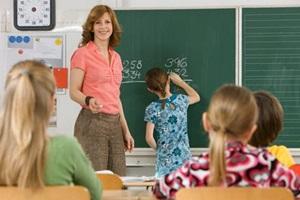 Pedagogams numatomi didesni atlyginimai