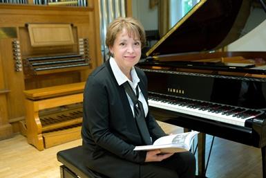 """Vilija Aleknaitė-Abramikienė pristatė savo pirmąją autorinę knygą – """"Laisvės klavyras"""""""