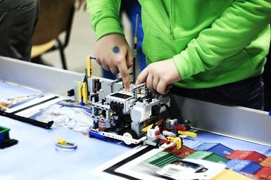 Robotikos entuziastai gręžiasi į gamtą