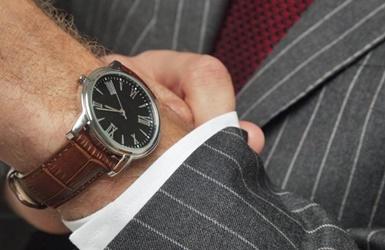 Teismas: brangus laikrodis ir 5000 eurų dėžutėje – ne dovana, o kyšis