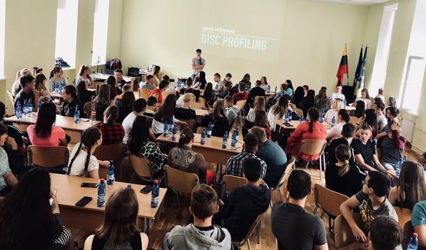"""Iniciatyva """"100 idėjų Lietuvai"""" keliauja per visą Lietuvą"""