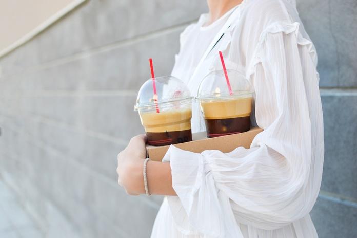 Stiklinė pieno, kavos ar greipfrutas: kartu su vaistais šie įprasti produktai gali tapti net ir pavojingais