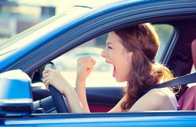 Stresas kelyje: daugiausia įtampos kyla dėl staiga persirikiuojančių automobilių