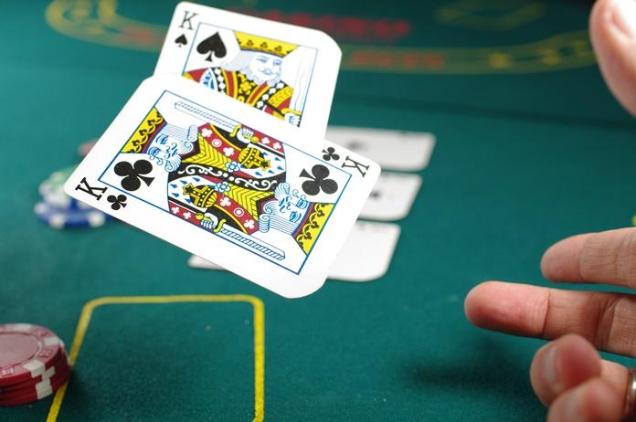 Meilė kortos pavertė profesionaliu pokerio žaidėju