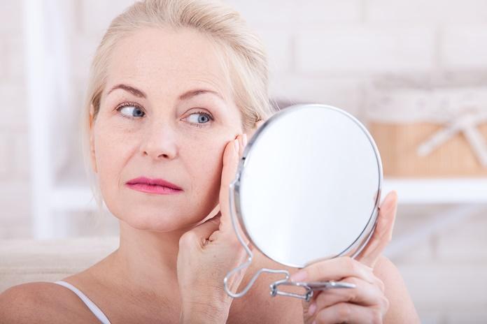 Vasara – poilsio metas kūnui, bet stresas odai: kaip išvengti odos senėjimo?