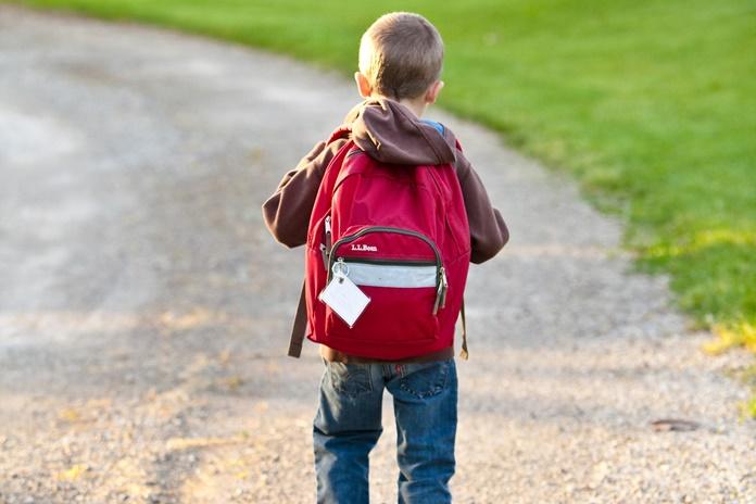 Saugi kelionė į mokyklą – kuo turi pasirūpinti tėvai?