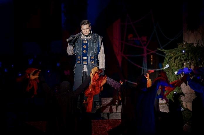 Kultūros sostinė Rokiškis įžiebė Kalėdų eglę ir perdavė titulą Trakams