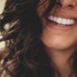 Kas yra estetinis dantų plombavimas?